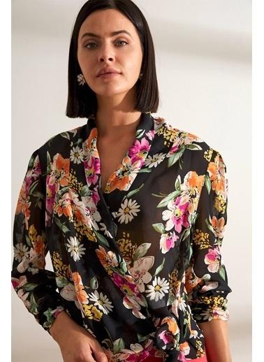 Setre Siyah Çiçek Desenli Kruvaze Bluz Siyah